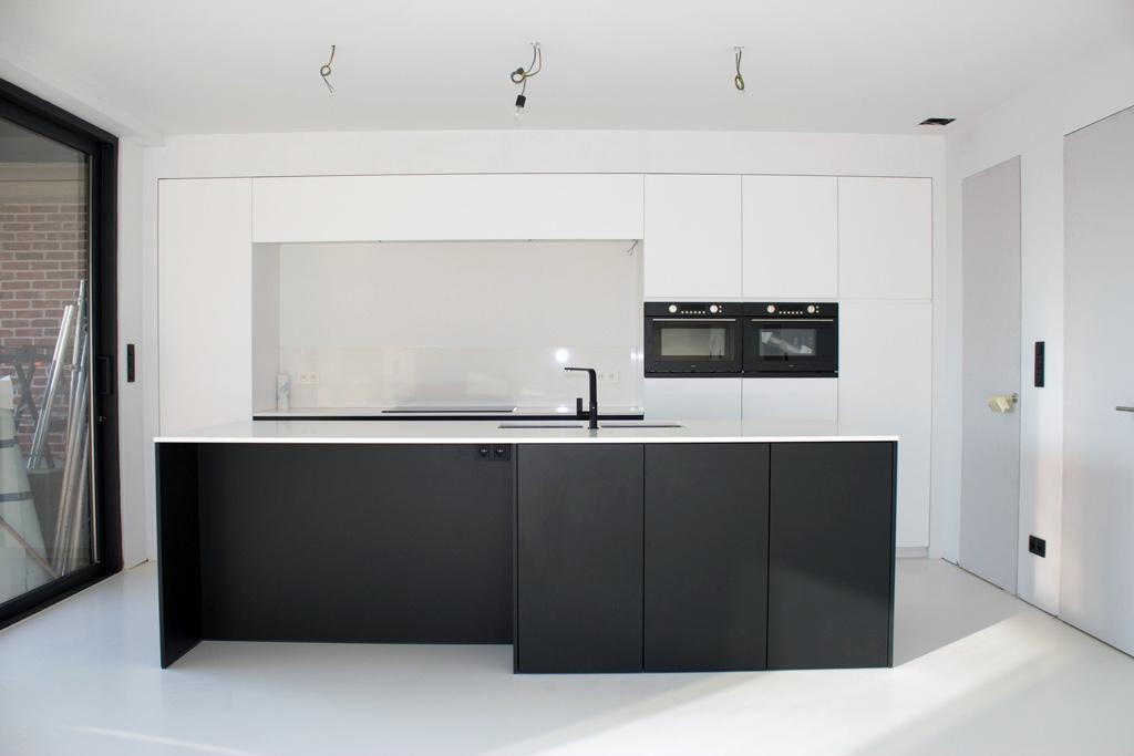 Strakke Zwarte Keuken : Keuken wit zwart good strakke keuken wit with keuken wit zwart